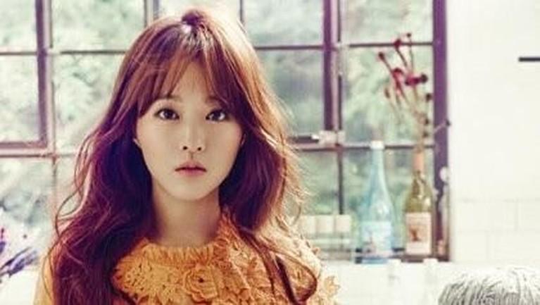Park Bo Young memulai debut aktingnya dalam sebuah drama anak sekolah berjudul Secret Campus pada tahun 2006.