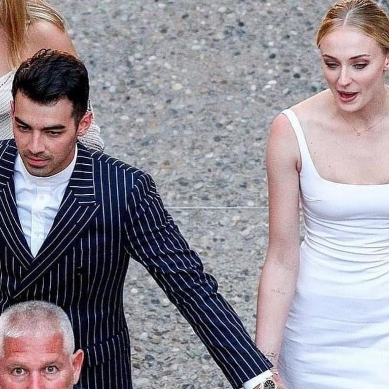 Awal Mei 2019, berita mengejutkan tentang pernikahan ini membuat publik bertanya-tanya. Keduanya menikah di Las Vegas dalam acara tertutup.