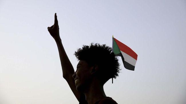 Gejolak konflik di Sudan berakhir dengan penandatanganan kesepakatan Dewan Militer dan kelompok pengunjuk rasa pada Sabtu (17/8) lalu.