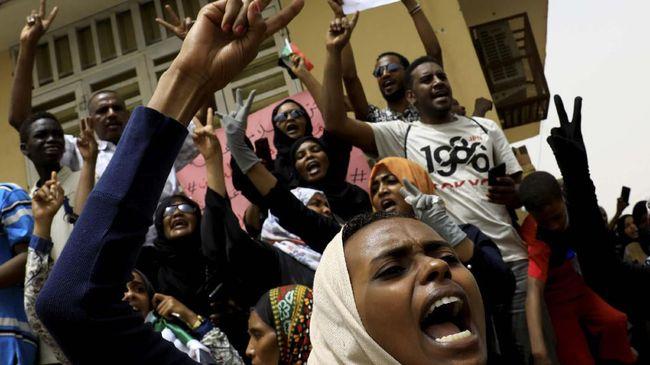Kelompok sipil dan militer Sudan meneken kesepakatan pembagian kekuasaan, setelah sempat berselisih selama beberapa waktu.