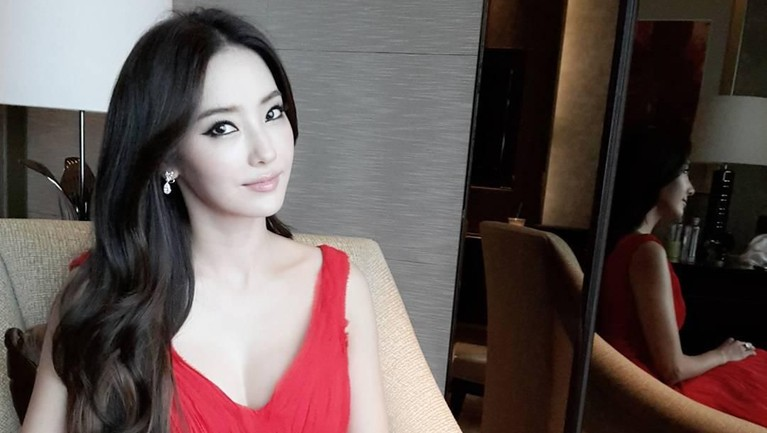 Han Chae Young juga salah satu artis Korea yang masih berpenampilan cantik pada usia yang tak lagi muda, yakni 38 tahun.
