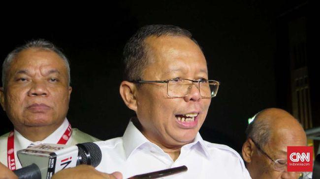Wakil Ketua MPR, Arsul Sani menyebut kelompok LGBT tak masalah melamar di Kejaksaan Agung selama tidak melakukan pelanggaran hukum.