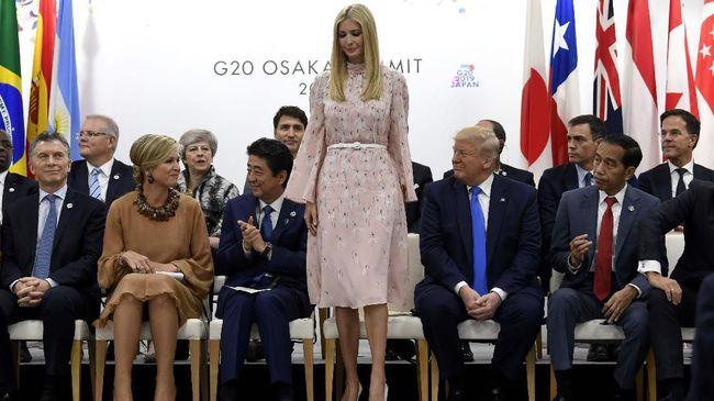 Menteri Perdagangan Inggris Liam Fox menyatakan bakal minta maaf ke putri Presiden AS Donald Trump, Ivanka menyusul bocornya memo rahasia dubes.