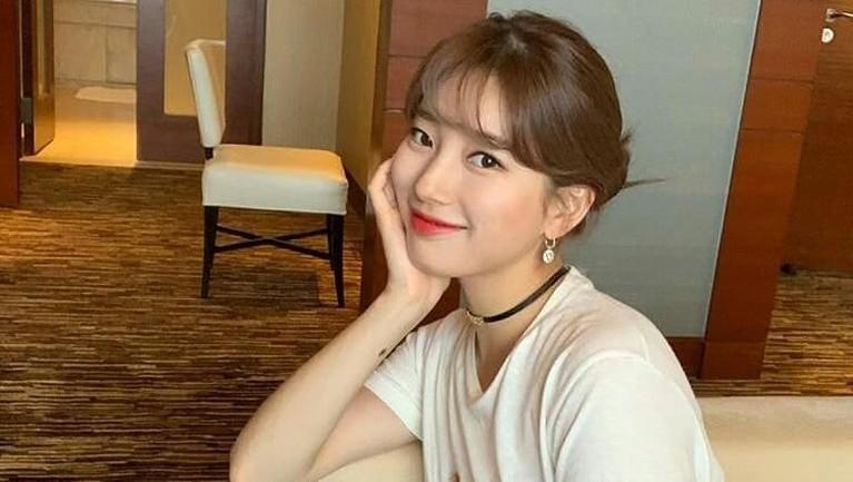 Penyanyi cantik Suzy pernah menjadi cameo di drama Man From the Star. Perempuan bernama lengkap Bae Suzy itu berperan sebagai Go Hye Mi. Suzy sendiri belakangan ini lebih fokus dengan dunia akting.