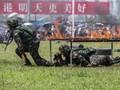 Pasukan Anti Huru-Hara China Siaga di Dekat Hong Kong