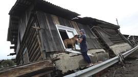 FOTO: Banjir Bandang Menerjang Siberia