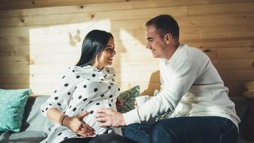 Pentingnya Suami Menghindari Stres Saat Istri Hamil