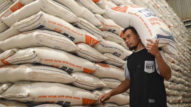 Pemerintah menambah nilai Bantuan Pangan Non-Tunai untuk 15,2 juta keluarga penerima manfaat selama enam bulan di tengah wabah corona.