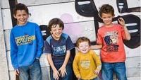 <p>Tom Holland memilikitiga saudara laki-laki, si kembar Sam dan Harry, serta si bungsu Patrick 'Paddy'. (Foto: Instagram @harryholland64)</p>
