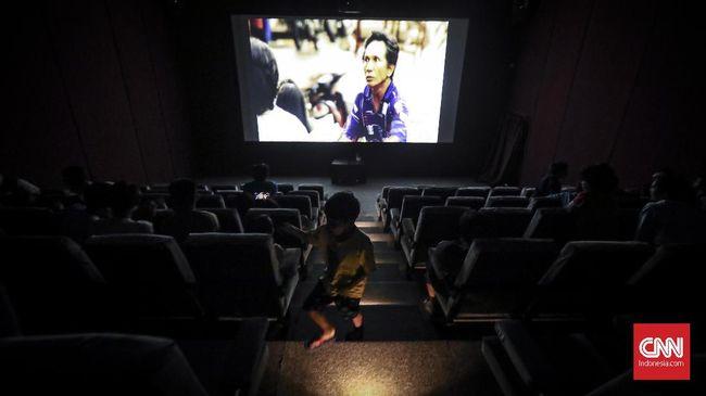 Meski tak seperti jaringan bioskop besar yang bergelimang modal dan mesti ditempuh puluhan kilometer, bioskop kecil di daerah diminati oleh masyarakat.