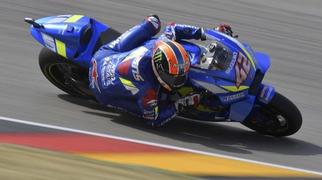 Suzuki Ecstar's Spanish rider Alex Rins steers his bike during the Moto GP free practice session for the Grand Prix of Germany on July 6, 2019 at the Sachsenring Circuit in Hohenstein-Ernstthal, eastern Germany. (Photo by Tobias SCHWARZ / AFP)