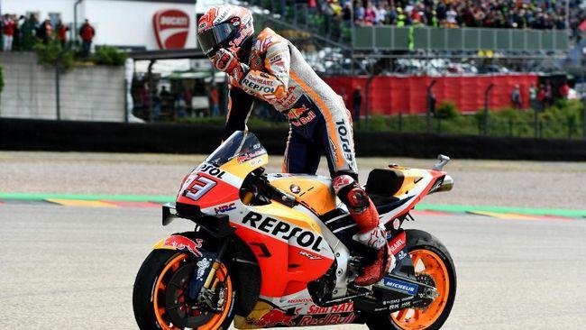 Pebalap Repsol Honda Marc Marquez memastikan juara paruh musim MotoGP 2019 setelah menang di MotoGP Jerman, Minggu (7/7).