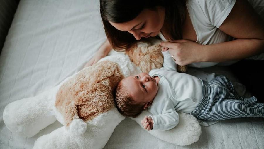 4 Cara Mengatasi Perut Kembung pada Bayi Setelah Menyusu