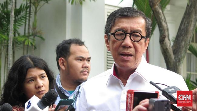 Jokowi Minta Yasonna Pelajari Draf Revisi UU KPK
