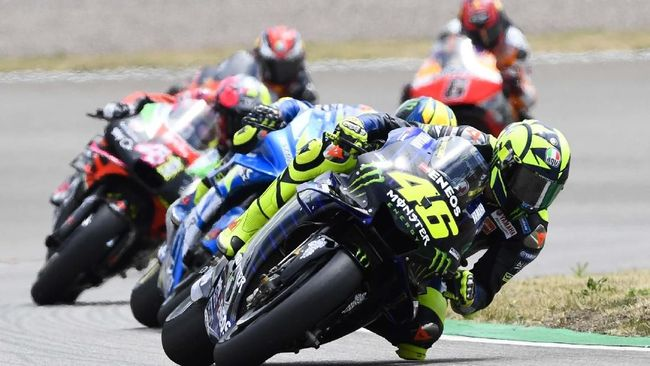 Pebalap Yamaha, Valentino Rossi tak sadar bahwa catatan 80 poin dari sembilan seri merupakan rekor terburuk dalam kariernya.