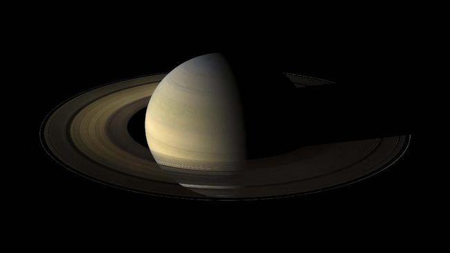 Misi NASA ke salah satu bulan di Planet Saturnus, yaitu Titan disebut akan molor ke tahun 2027 imbas pandemi virus corona.