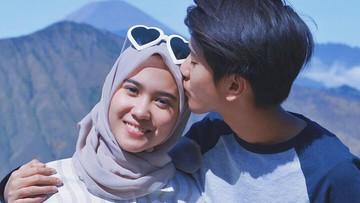 6 Potret Kompaknya Iqbaal Ramadhan dan Sang Kakak, Teh Ody