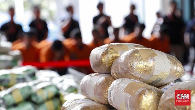 Pabrik sabu perumahan mewah Tangerang yang digeruduk polisi pada Rabu (1/9) diketahui sebagai jaringan narkotika timur tengah.