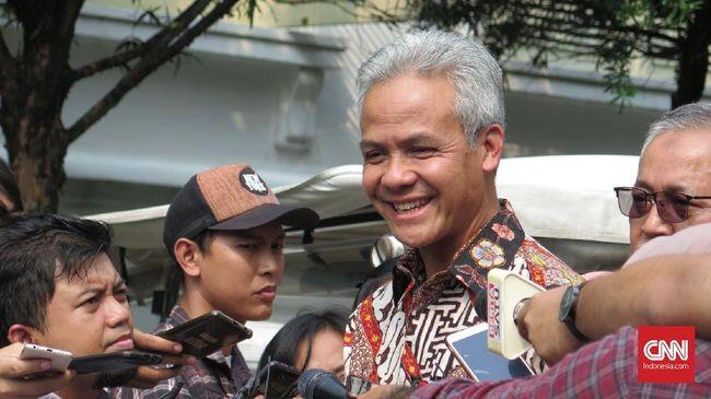 Gubernur Jawa Tengah Ganjar Pranowo mengatakan pandemi covid telah mengakibatkan 11.438 pekerja di daerahnya terkena PHK dan 36.132 lainnya dirumahkan.