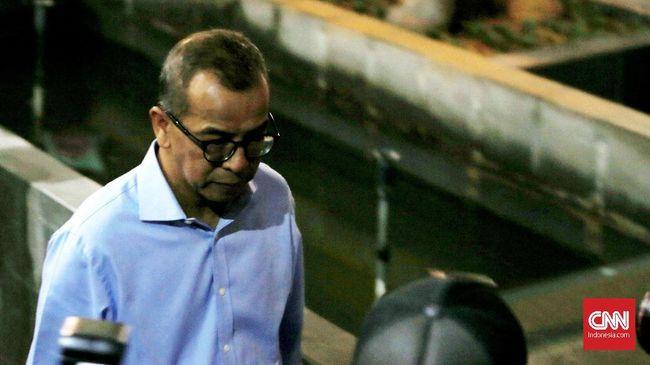 KPK memanggil eks Direktur Utama PT Garuda Indonesia (Persero) Emirsyah Satar sebagai tersangka kasus Tindak Pidana Pencucian Uang (TPPU).