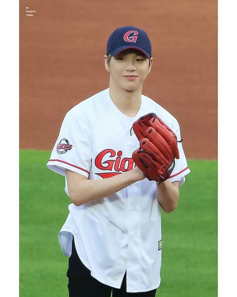 Lewat akun Instagramnya beberapa waktu lalu, mantan personel Wanna One ini sedang mempersiapkan debut solonya.