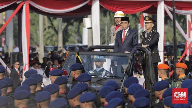 Pada peringatan HUT ke-73 Bhayangkara, Jokowi mengatakan perkembangan teknologi mendorong potensi kejahatan di ruang siber, termasuk ancaman terorisme.