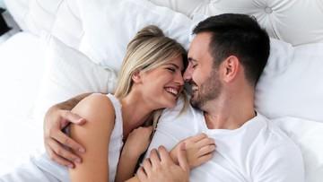 10 Ucapan Manis Pasangan Suami Istri Setelah Bercinta