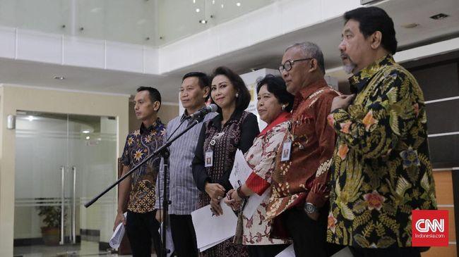 Tiga anggota Pansel KPK dituding memiliki konflik kepentingan dalam seleksi capim 2019-2023 karena turut merangkap jabatan di pemerintahan.