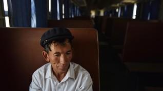 Etnis Uighur di China Khawatir Tertular Virus Corona