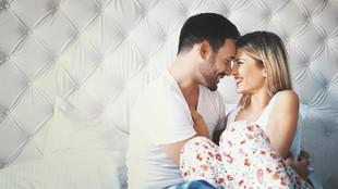 6 Posisi Seks Nyaman agar Bunda Tak Merasa Sakit Saat Bercinta