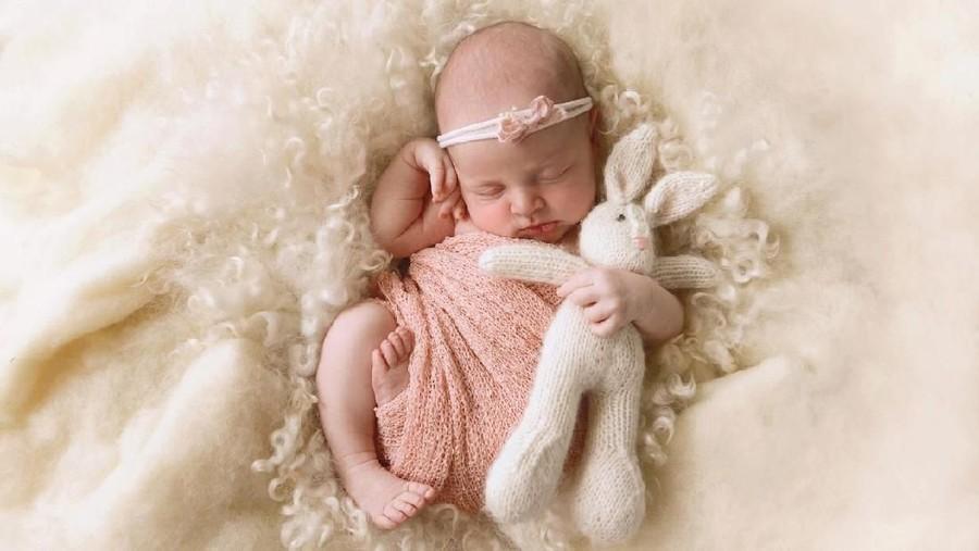 30 Inspirasi Nama Bayi Perempuan Awalan N dengan Beragam Makna