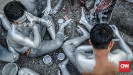 Viral Pensiunan Polri Jadi Manusia Silver di Semarang
