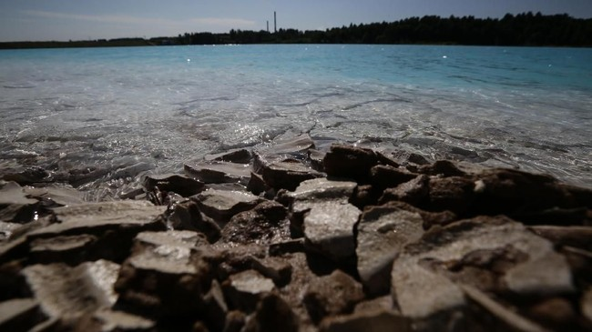 Danau Novosibirsk disebut sebagai 'Maldives (Maladewa) di Siberia'. Nyatanya danau tersebut tempat pembuangan limbah.
