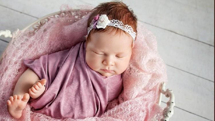Perempuan selalu dipandang sebagai makhluk paling mulia. Seperti makna dalam deretan nama bayi perempuan berikut ini.