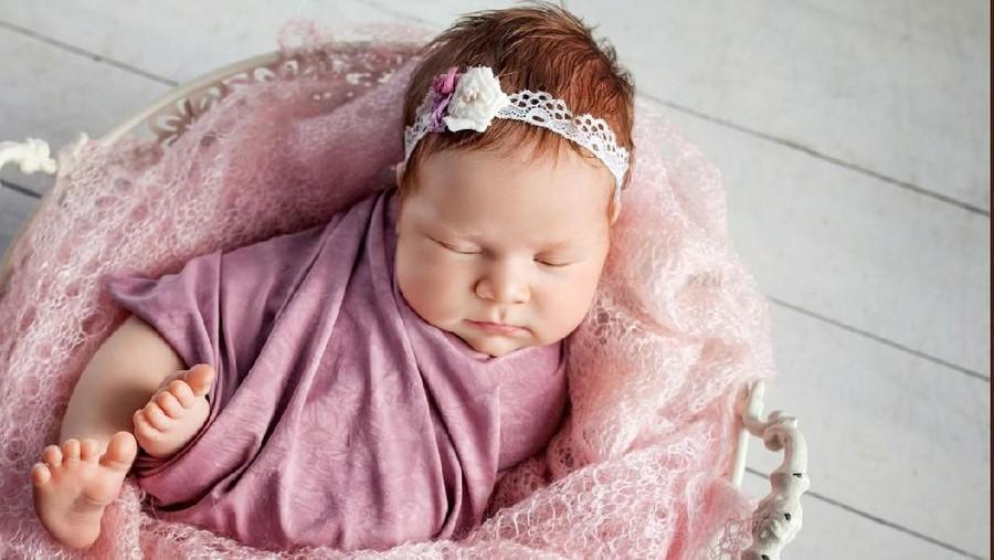 40 Nama Bayi Perempuan Inspiratif Bermakna Bunga