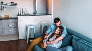 15 Ucapan Manis Suami yang Bikin Istri Merasa Spesial