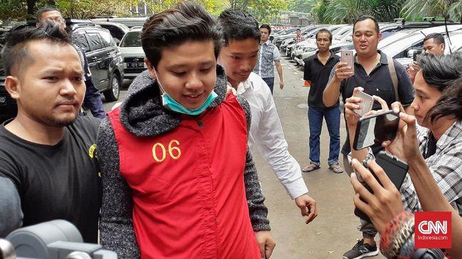 Polisi mengungkapkan bahwa Rey saat diperiksa mengaku pernah melihat mobil HRV dan menggunakan mobil itu sekitar dua sampai tiga bulan.