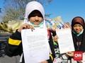 Protes Sampah Impor, Anak-anak di Jatim Surati Donald Trump