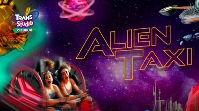 Naik Pesawat Luar Angkasa di Alien Taxi Trans Studio Cibubur
