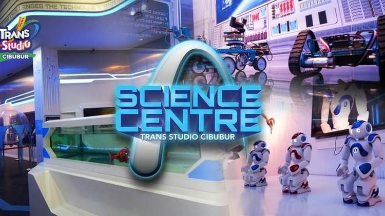 Tak hanya bermain, Ayah dan Bunda juga bisa mengajak si kecil belajar sains di Trans Studio Cibubur.