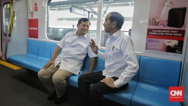 Anggota Badan Komunikasi Gerindra, Andre Rosiade menyebut Prabowo memberi tahu semua pendukungnya sebelum bertemu Jokowi, termasuk mengirim surat ke Amien Rais.