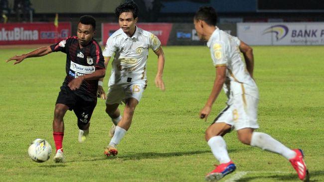 PSS Sleman memborong 8 pemain baru jelang Piala Menpora 2021, termasuk Fabiano Beltrame dan Kim Jeffey Kurniawan dari Persib Bandung.