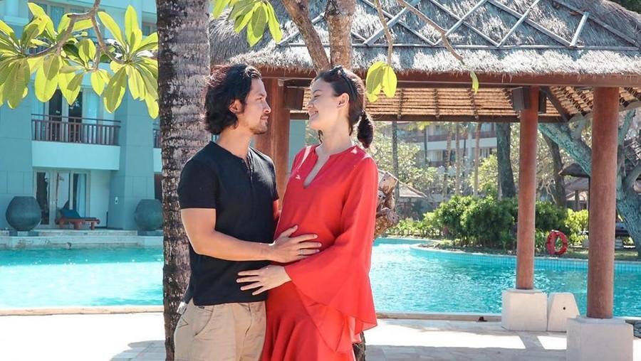 Kimberly Ryder Hamil Anak Pertama