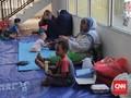 Pemprov DKI Bagikan Daging Kurban Siap Saji ke Pencari Suaka