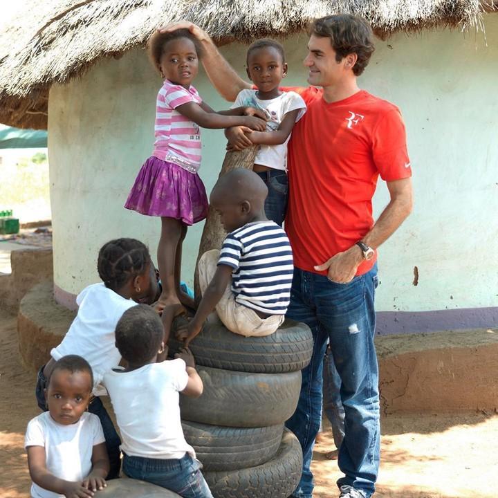 Jarang terekspose, Roger Federer ternyata dekat banget sama anak-anak, Bun. Intip kebersamaan mereka yuk!
