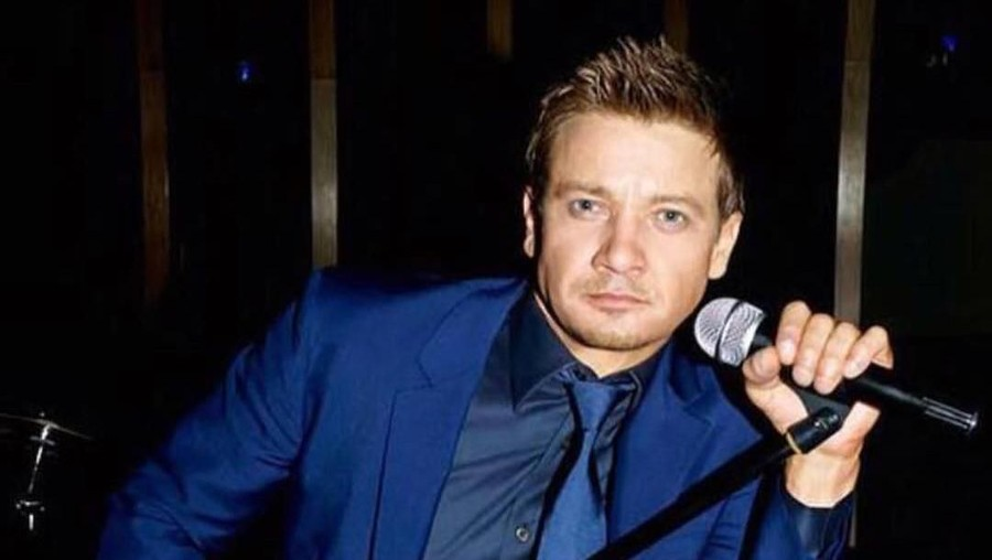 Lirik Lagu Main Attraction - Jeremy Renner