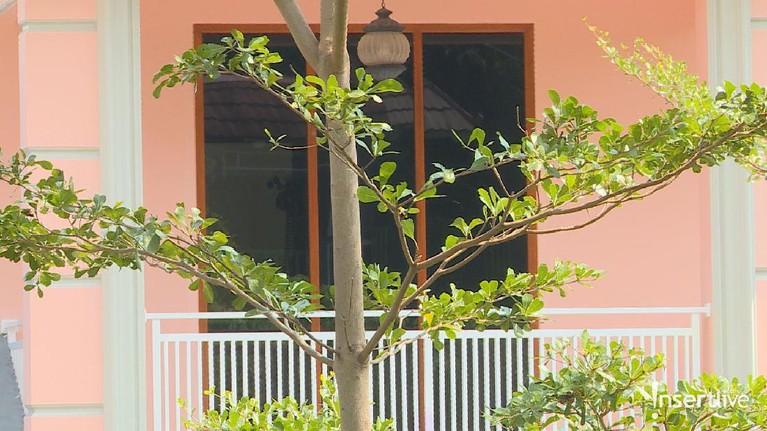 Tampak dekat balkon rumah kontrakan yang diduga pernah ditinggali oleh Pablo Benua dan istrinya pada kurun waktu tahun 2017 hingga 2018 lalu.