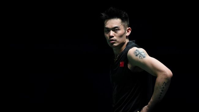 Lin Dan of China reacts during the men's singles final match against Chen Long of China at the Malaysia Open badminton tournament in Kuala Lumpur on April 7, 2019. SADIQ ASYRAF / AFP (Photo by SADIQ ASYRAF / AFP)