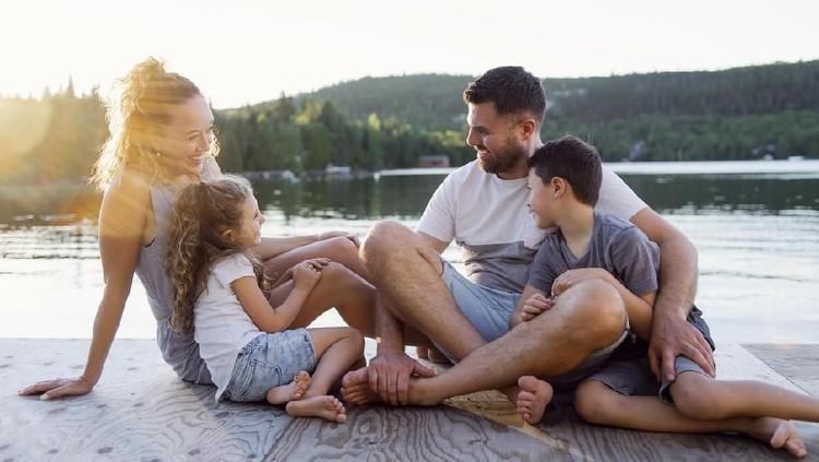 Seberapa penting sih liburan buat keluarga Bunda?