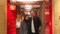Bella dipersunting pengusaha asal Malaysia, Engku Emran pada September 2017. Mereka melangsungkan akad nikah di Kuala Lumpur dan menggelar resepsi di Bandung. (Foto: Instagram @laudyacynthiabella)